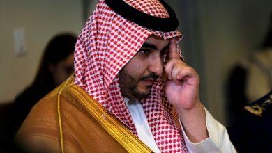 Photo of هادي يبحث  مع نائب وزير الدفاع السعودي  تنفيذ اتفاق الرياض