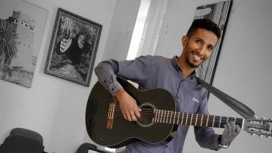 """Photo of الحوثيون يعتدون على الفنان يزن القاضي في صنعاء ويتهمونه بالمشاركة في """" الحرب الناعمة"""""""