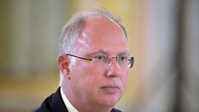 """Photo of رئيس صندوق سيادي روسي: """"بجعات سوداء"""" جديدة تحوم فوق الاقتصاد العالمي"""