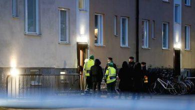 "Photo of السويد.. إصابة 8 أشخاص بسلاح أبيض والشرطة تحقق في ""جريمة إرهابية"""