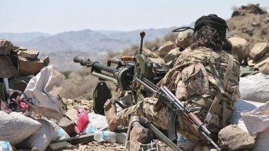 Photo of الجيش يشن هجوما عنيفا على مواقع وثكنات المليشيا الحوثي في جبهة مقبنه غرب تعز