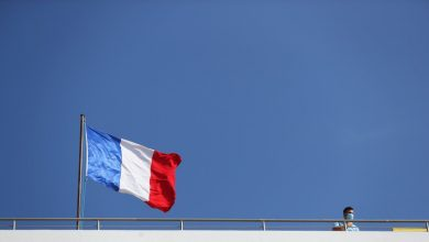 Photo of فرنسا: إيران تضع فرص إحياء الاتفاق النووي في خطر